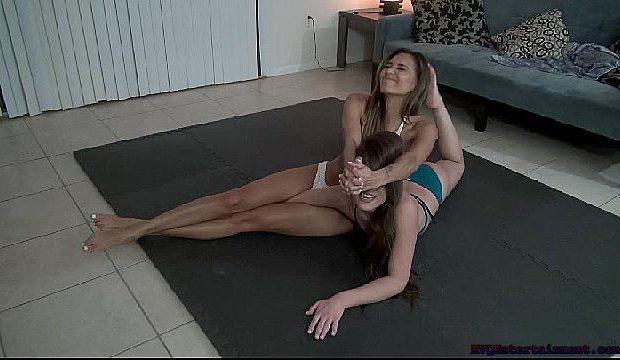 K0d In Bikinis Jocelyn vs Adrianna